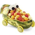 Trkački auto od lubenice ovo je baš simpatično za decu