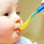 Mamice naviknite bebe na nove ukuse (SAVETI )