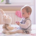 VAŽNO :Aktivnosti koje jačaju bebin fizički razvoj od 3-6 meseci