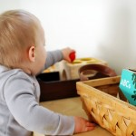 VAŽNO :Aktivnosti koje jačaju bebin fizički razvoj od 6 do 9 meseci