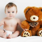VAŽNO : Aktivnosti koje jačaju bebin fizički razvoj od 9 do 12 meseci