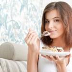 Jedite hleb i kolače svaki dan i smršaćete: Caka je u ovome!