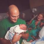 Otac na porodjaju : Tri priče muškaraca iz Srbije