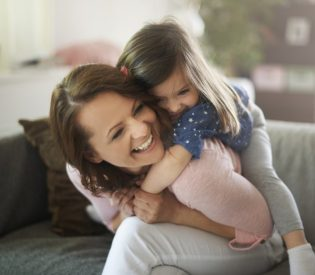 EVO REŠENJA ;) Kako da zabavite decu i kada ste mrtve umorne