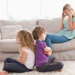 Opasne reči koje roditelji često upućuju mališanima