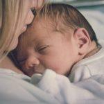UREDNICA PITA :)  Prve reči koje su mame rekle bebi nakon porođaja