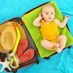Prvo leto vaše bebe i njeno prvo iskustvo u bazenu ili moru