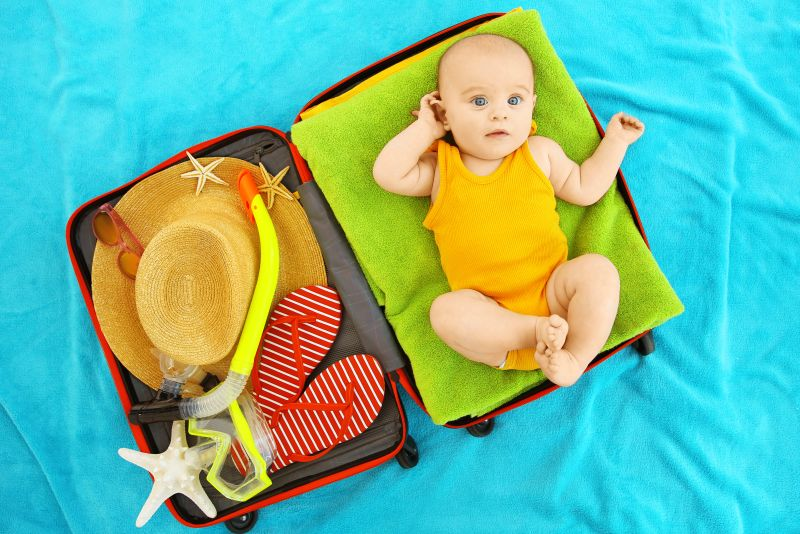 Rezultat slika za beba se kupa u moru