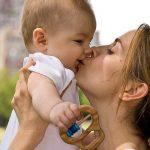 PSIHOLOG !VAŽNO : Ne ljubite vašu decu u usta ! Niste ni svesni vaše greške …