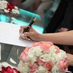 Uzela je prezime svog muža na venčanju i zažalila zbog ovih 5 stvari
