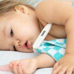 3 stvari koje ne bi trebalo nikako da radite ako dete ima visoku temperaturu
