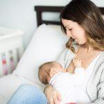 Osudili su je da je prestara za dojenje i da joj mleko ne valja – ovo je njen odgovor