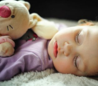 ČUDESAN PODVIG LEKARA Beba (1) iz vrtića dovezena bez znakova života, lekari uspeli da je SPASU