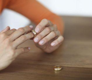 Problem u porodici nastaje kada žena izgubi ove dve osobine!