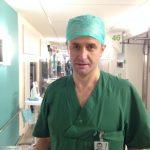 ČOVEK KOME SE SVET KLANJA Svetski priznati doktor ženama bez materice pomaže da POSTANU MAJKE