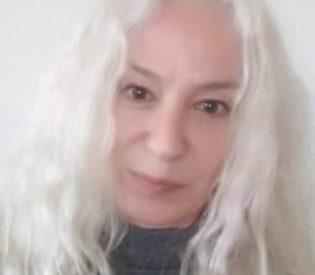 Očajna majka 27 godina traga za bliznakinjama: Babicu koju sam poznavala nikada više nisam videla, a ono što piše u mom kartonu me je ŠOKIRALO!